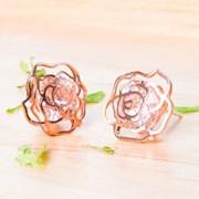 영롱한 장미 꽃 귀걸이