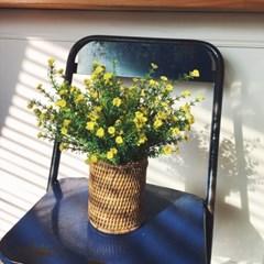 노란 냉이꽃 조화 라탄 화병세트
