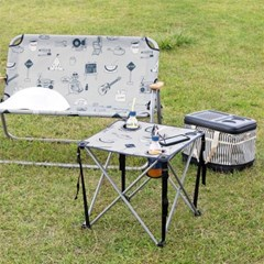 엠플러스캠프 테이블