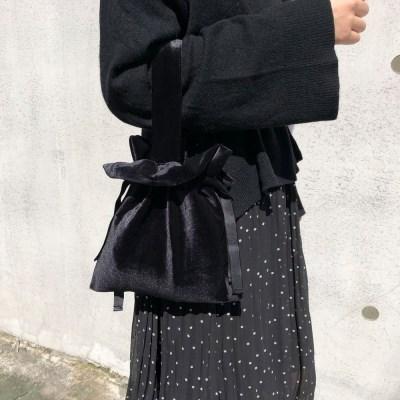 스트랩토트백 Strap tote bag - Velvet black