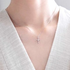 (92.5 silver) holy cross necklace