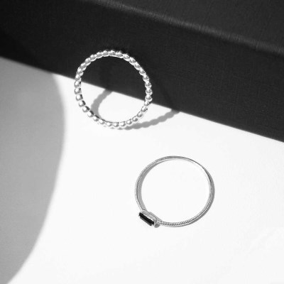 Black square set ring