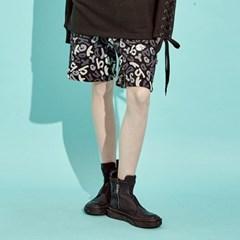 [디바이디그낙] Skull Pattern Shorts BK