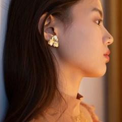 winter flower earrings