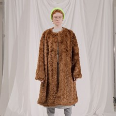 Collarless fur Coat_BR