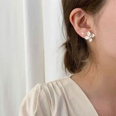 [당일배송][귀찌가능] 화이트 봄꽃 셀프 웨딩 귀걸이