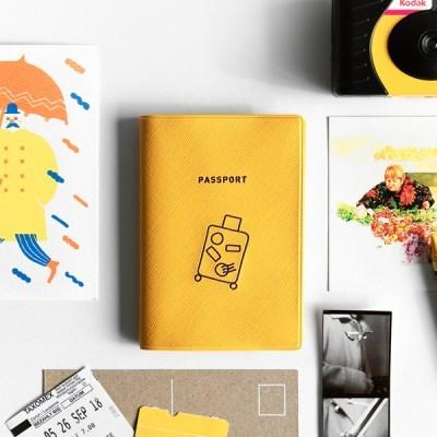 지유 트래블러 여권 케이스 - CARRIER