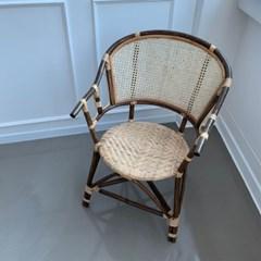 다크브라운 라탄의자