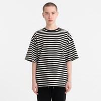 오버핏 미니 스트라이프 티셔츠 블랙 JBT00033