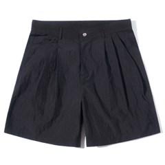Two Tuck Half Pants Black