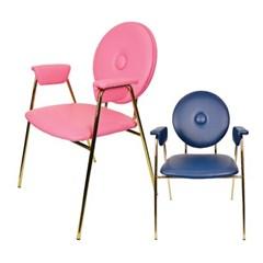 웨어하우스 레트로 암 골드 철제 의자