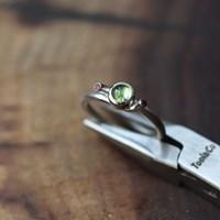 [normaldott] peridot candy silver ring