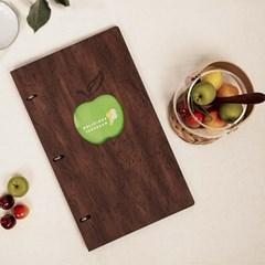 로고가 돋보이는 맛있는 사과 링바인더 메뉴판 직사각