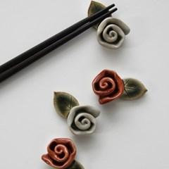 장미꽃 도자기 젓가락받침