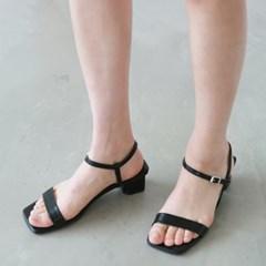 Middle square strap sandal