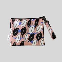 '낙엽 속 꽁꽁' pattern pouch