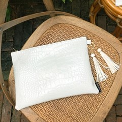 Muse White Clutch