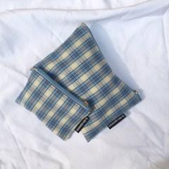 빈티지 블루 믹스 체크 파우치(Vintage blue check pouch)