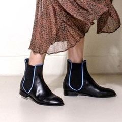 Line ankle boots 2