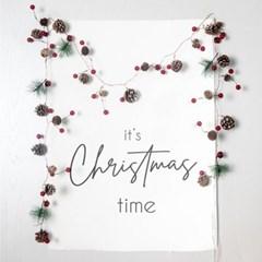 패브릭 포스터 크리스마스 타임 태피스트리 솔방울 베리_(2137465)