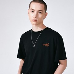 (UNISEX) 스탠다드 자수 로고 티셔츠 블랙_(785939)