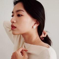 Baroque Pearl Post Earring