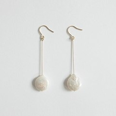 Round Pearl Long Earring