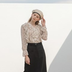 [클렛] V NECK FLOWER RUFFLE BLOUSE BEIGE