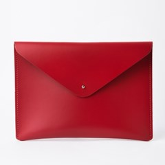 Envelope Clutch in Piliarbox Red