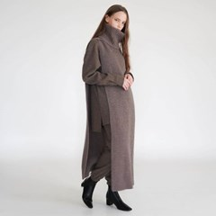 FOR HER. FINE WOOL UNISEX MUFFLER (DARK BROWN)