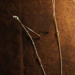 Triple twist glasses chain