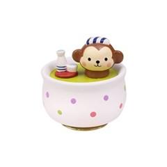 목욕하는 원숭이