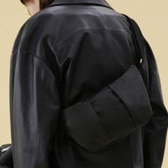 CRESCENT BAG / WRINKLE / LEATHER / BLACK