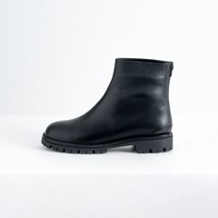 Chunky Sole Ankle Boots_Black