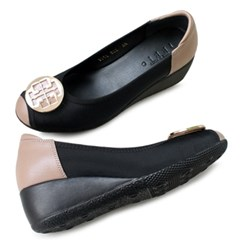 kami et muse Gold pendent middle wedge pumps_KM19w219
