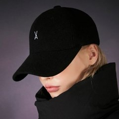 모직 바잘 로고 오버핏 볼캡 블랙