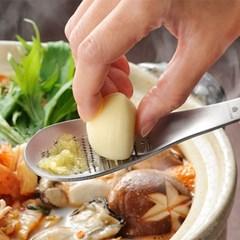 우치쿡 다용도 강판스푼 / 마늘다지기 마늘갈이 생강