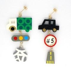 토이액세서리 핸드메이드 배달 서비스 귀걸이 - Toy accessory