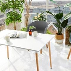씨에스리빙 프라템 봄봄스퀘어 4인용 원목식탁 카페테이블