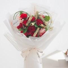 하트 카네이션 꽃다발 45cm P5 조화 어버이날 스승의날 선물 감사