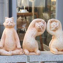 요가하는 고양이 장식품