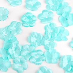 소복소복 쌓인 블루 꽃잎