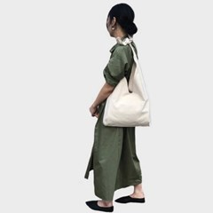 medium hobo bag (ivory)