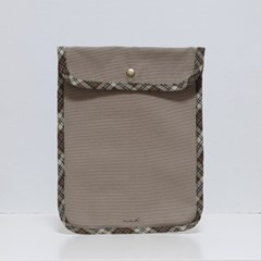 Signature tablet pouch - tan