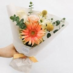 꾸까에서만 만날 수 있는, 파스타 거베라 꽃다발 (생화/전국택배)