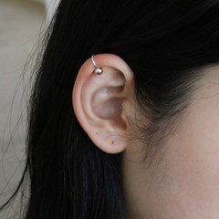 SILVER BALL MINI EARCUFF