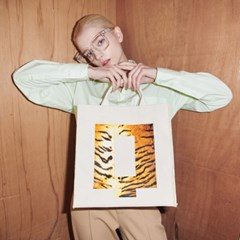 Q big_white tiger