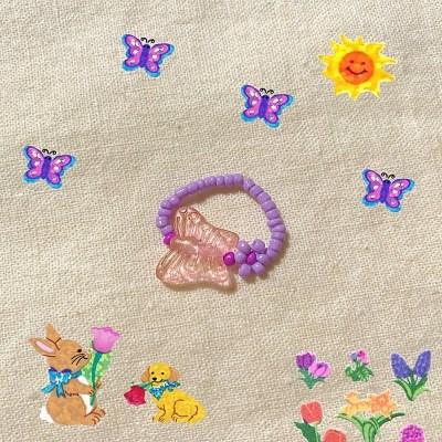 정원의 꽃한송이와 나비 비즈반지