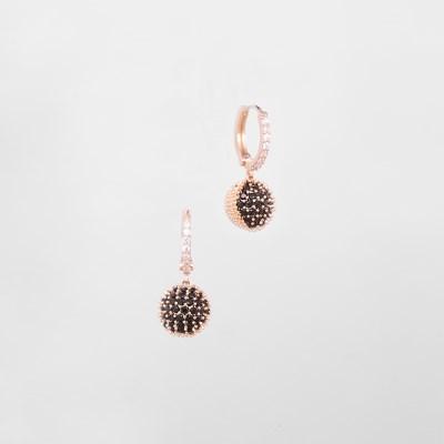 [쥬디앤폴] 레테 체스트넛 블랙 크리스탈 귀걸이 E51511