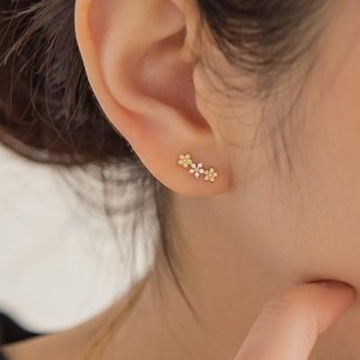 14k gold unbalance CZ flower earrings (14k 골드)